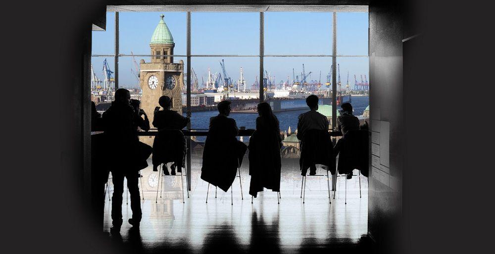 RightVision - Vor den Toren Hamburgs